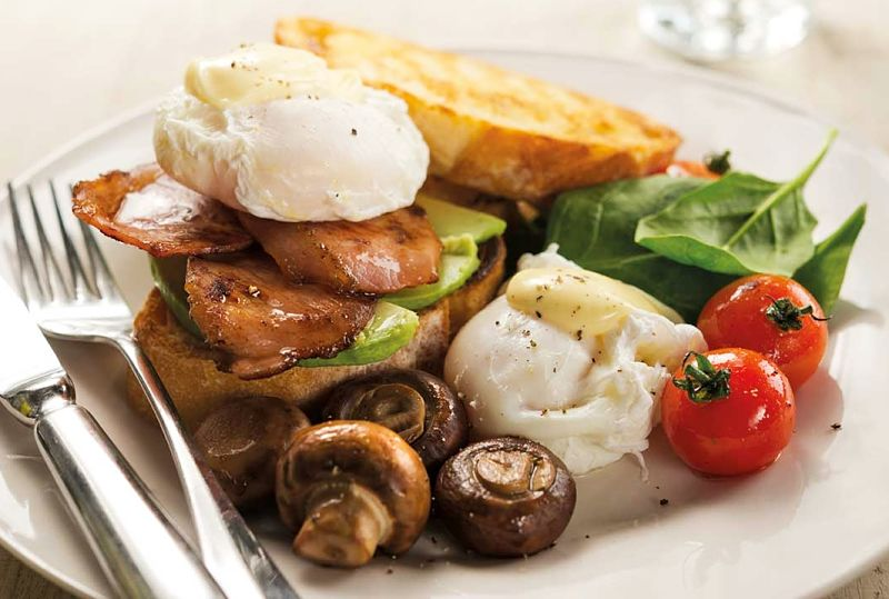 A big breakfast can be very satisfying lowering the need to snack between meals