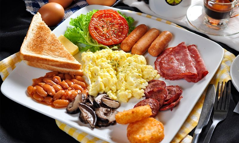 A full breakfast with a diversity of food types can provide a full array of nutrients to set you up for the day