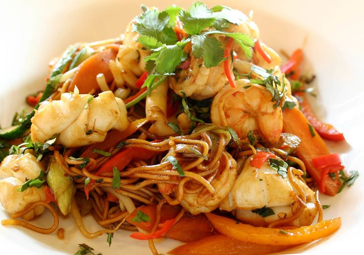 Lovely Korean seafood dish with a sparing serving of noodles to keep the calorie count low
