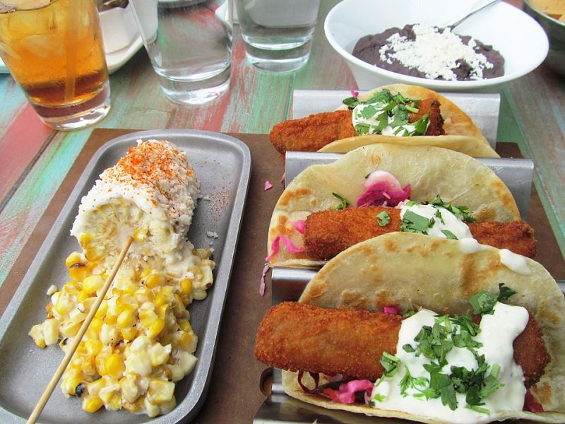 Find the healthy choices at Mexican Restaurants using these tips and the calorie charts