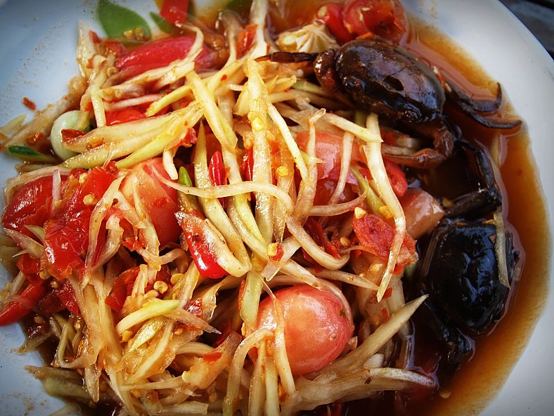 Thai seafood dishes are a delightful choice for redcuing fat and calories