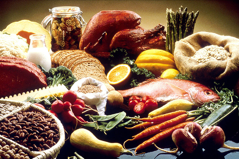 Many foods combine high fiber with high to moderate protein